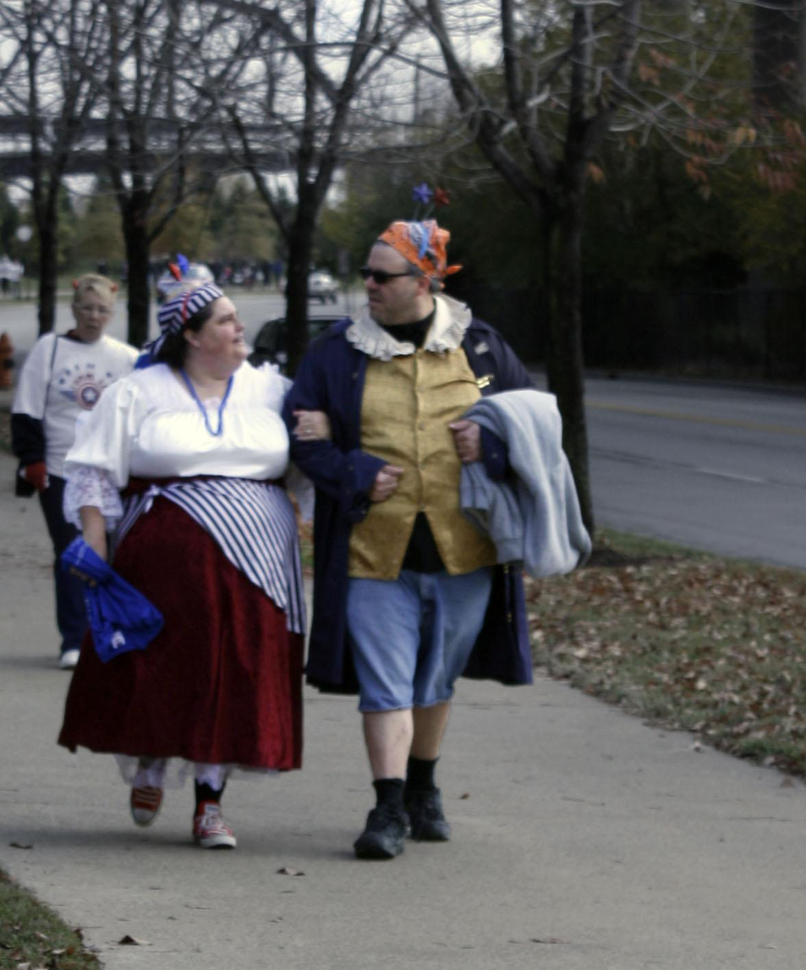 One couple decided to flaunt their Halloween spirit and dress up as pirates.