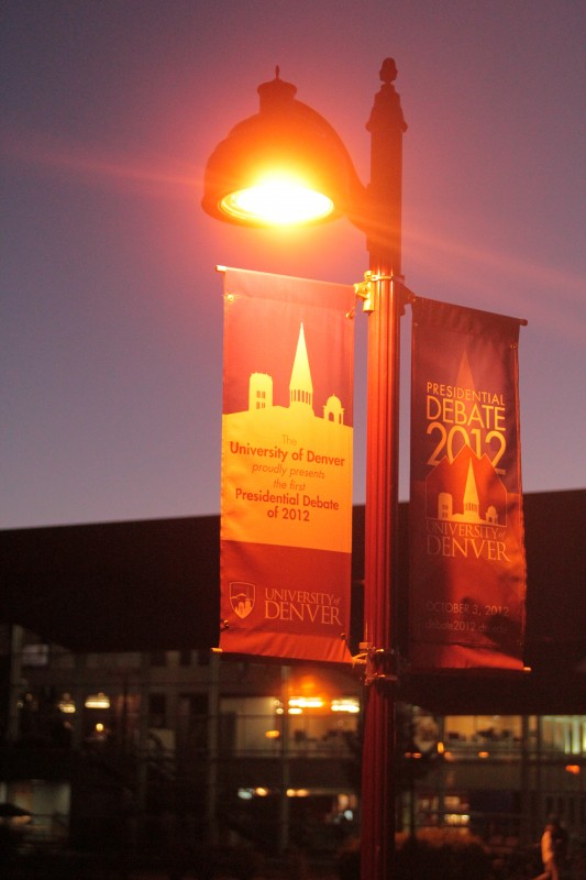 Banners+announcing+the+debate+hang+from+lampposts+around+the+University+of+Denver%27s+campus.