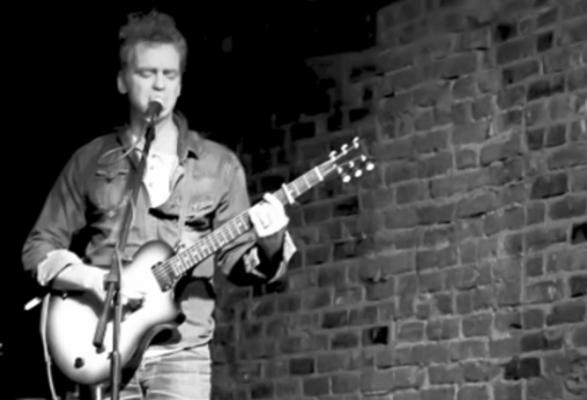 Sean Hayes plays at Uncle Slayton's
