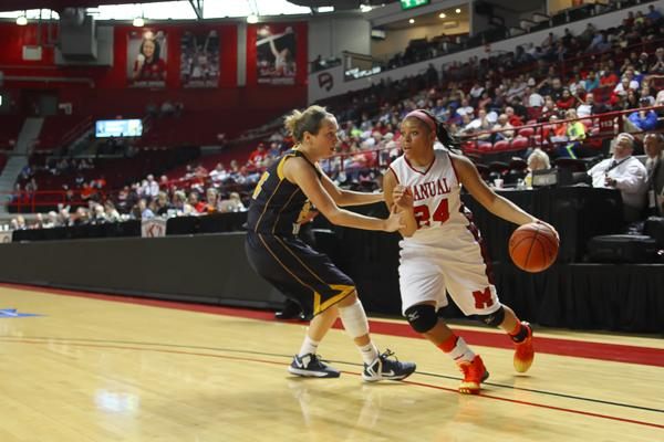 Lady Crimsons lose to Notre Dame, but receive support from community