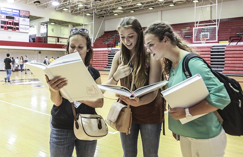 Gallery: Yearbook Distribution