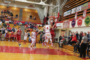Boys' basketball beats Jeffersonville 79-61
