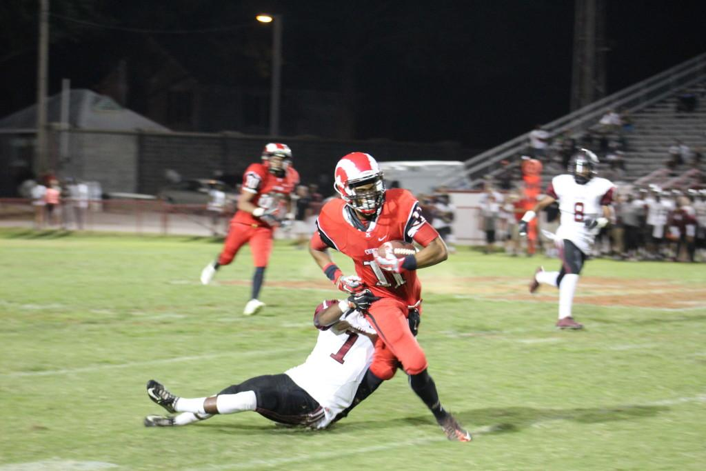 Jailen Carter (11, #11) catches a 46 yard pass on fourth down with 3:15 left in the game. Photo by Kate Hatter.