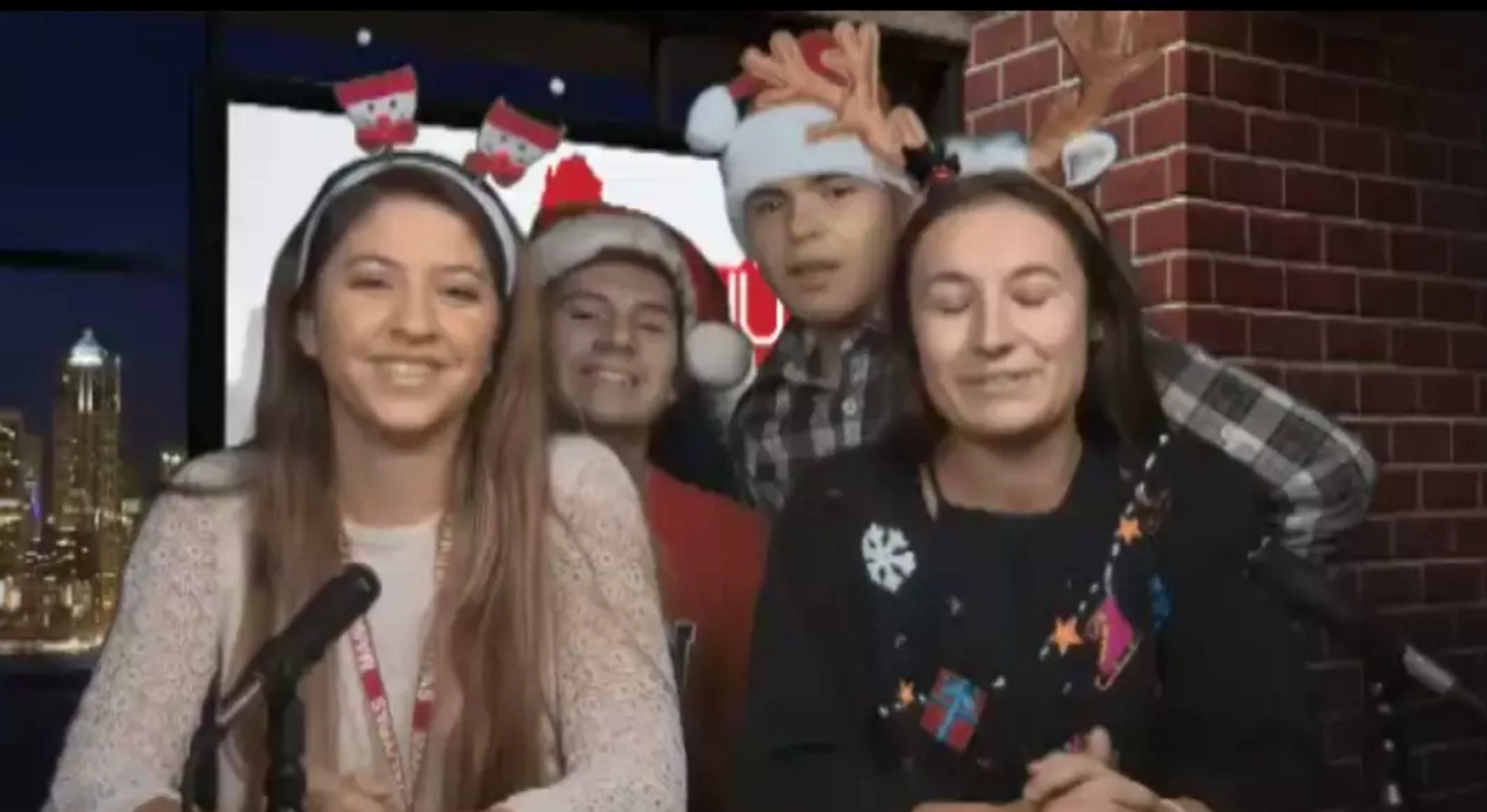 Manual AM: Holiday wishes from the anchors