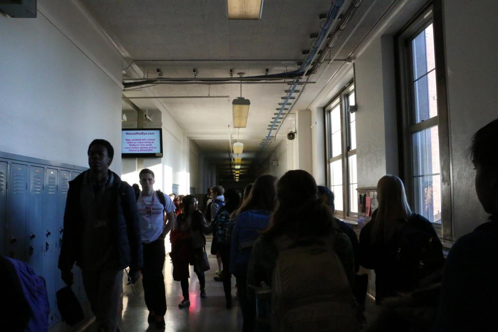Current+Manual+students+walk+the+halls+as+incoming+freshmen+prepare+for+next+year.+Photo+by+Fons+Cervera.