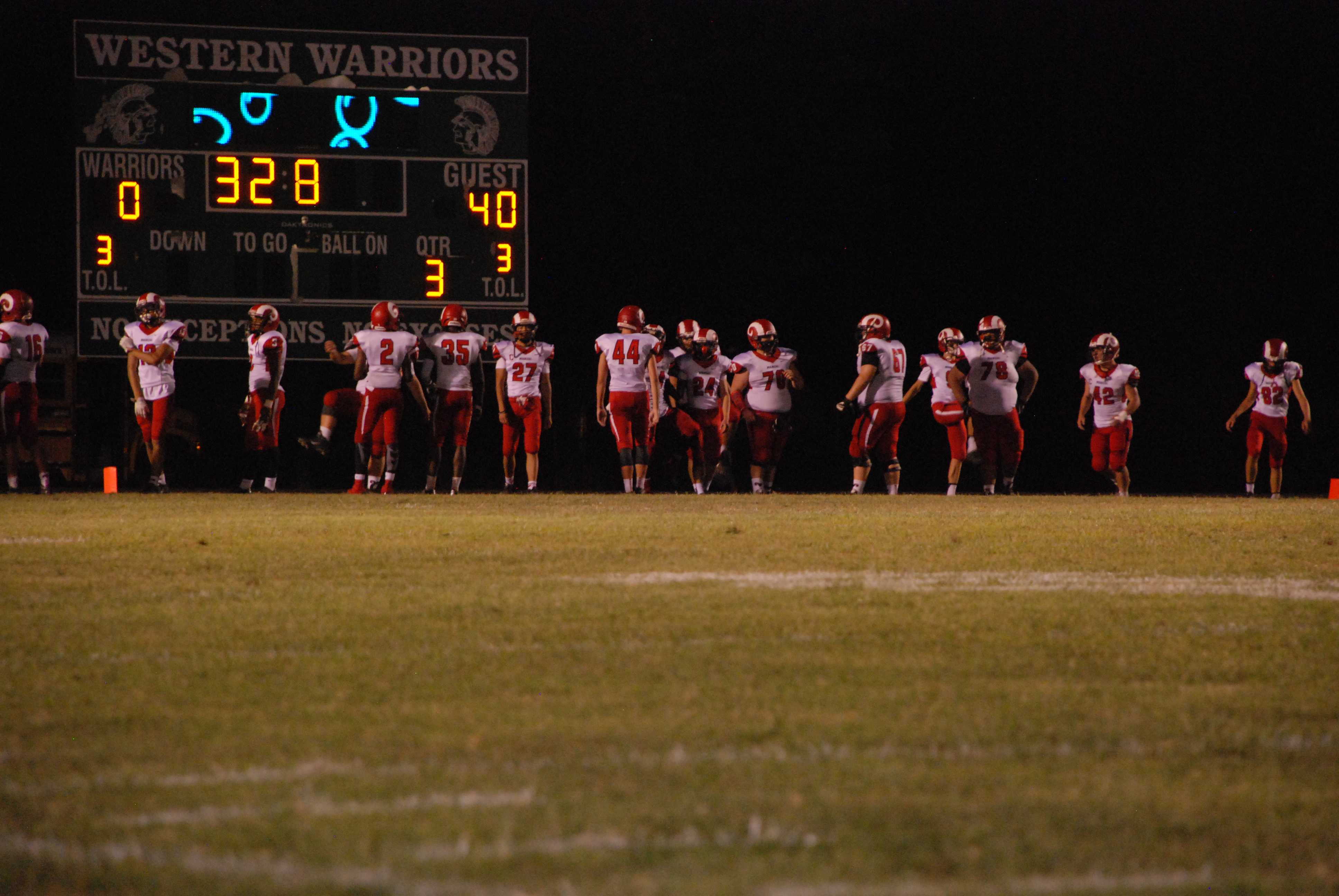 With the Crimsons up 40-0 , they enter the final play of the third quarter.