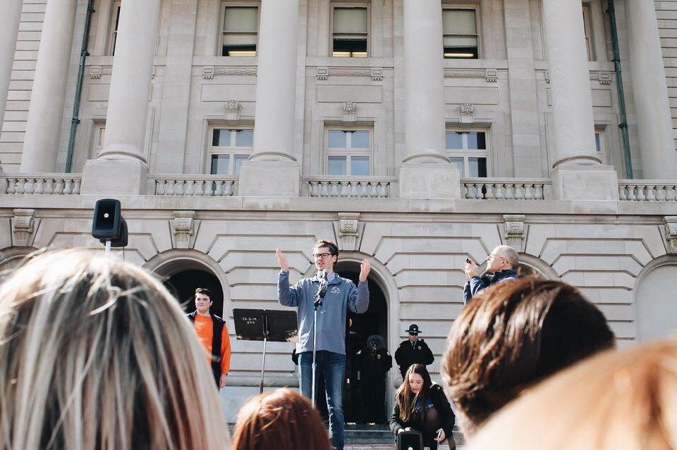 Kentucky+students+showed+solidarity+and+a+push+for+school+safety+in+a+rally+at+the+state+capitol.+
