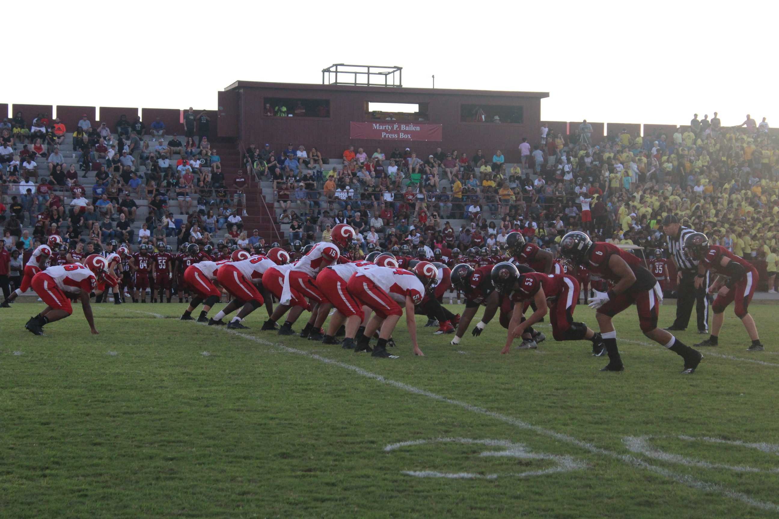 Manual+defense+lining+up+with+Ballard%27s+offense+at+the+30+yard+line.+Photo+by+Katelyn+Bale.