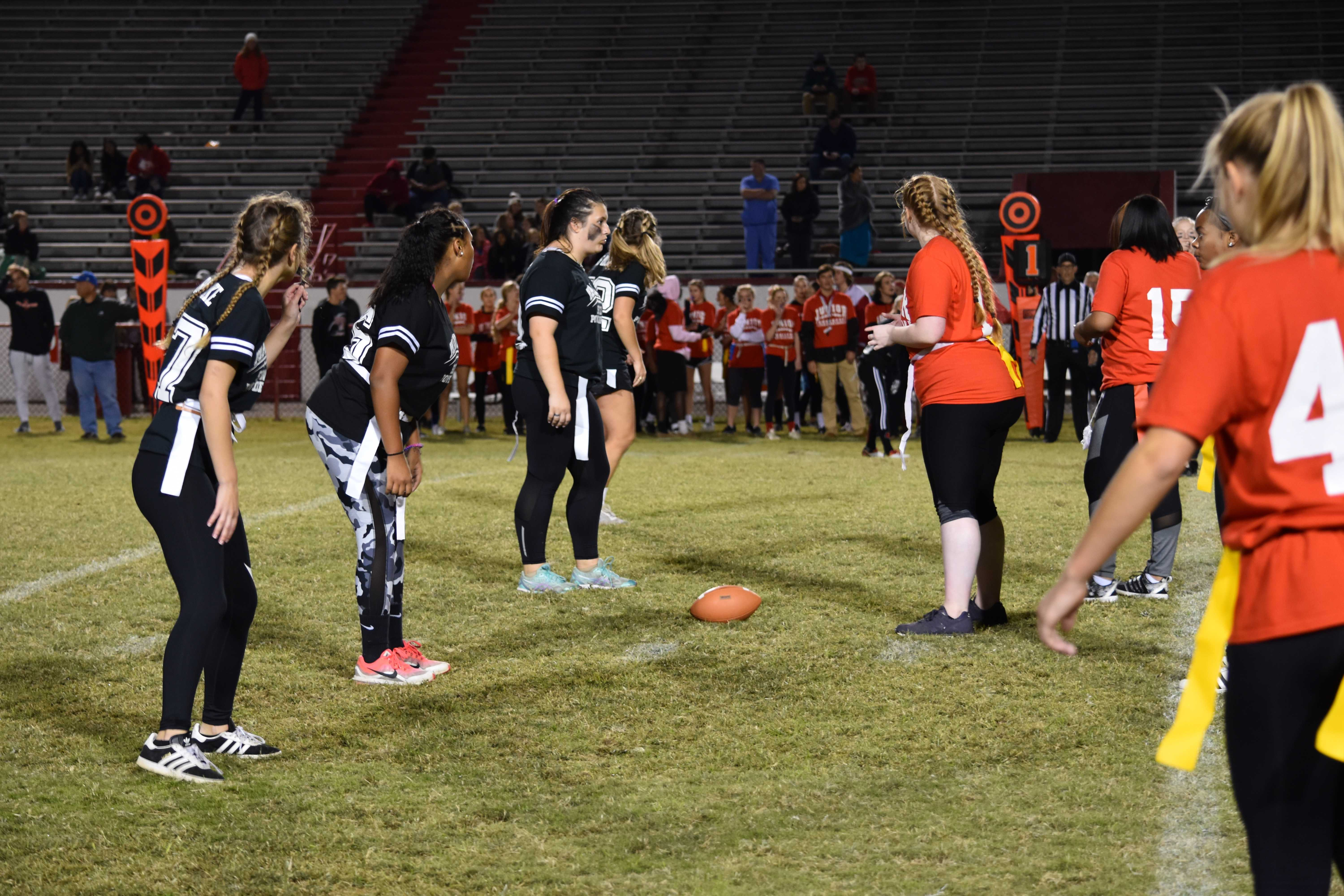R/W Week 2018: Seniors seal the deal in powderpuff