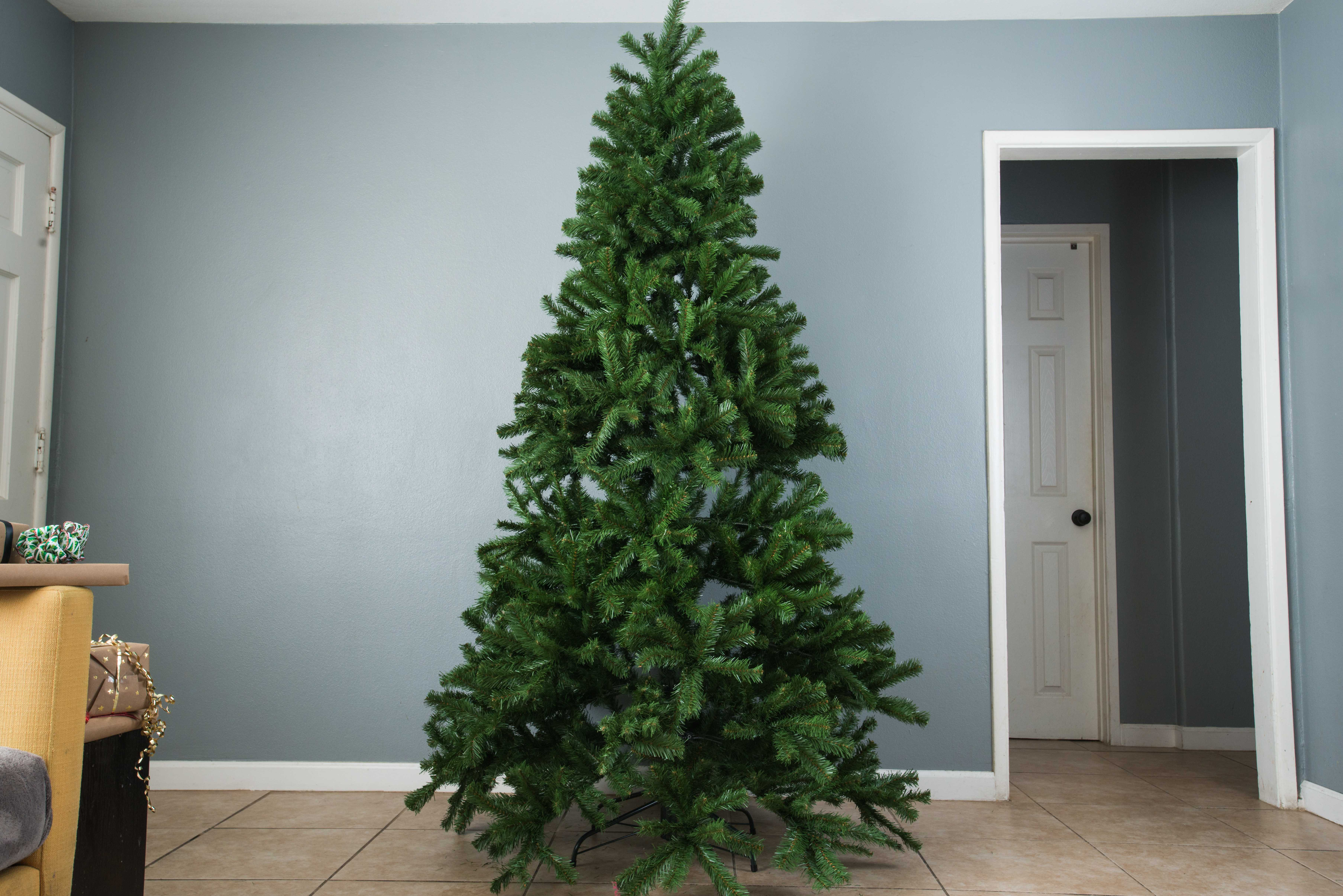 12 Days of Manual: Artificial vs. real Christmas trees