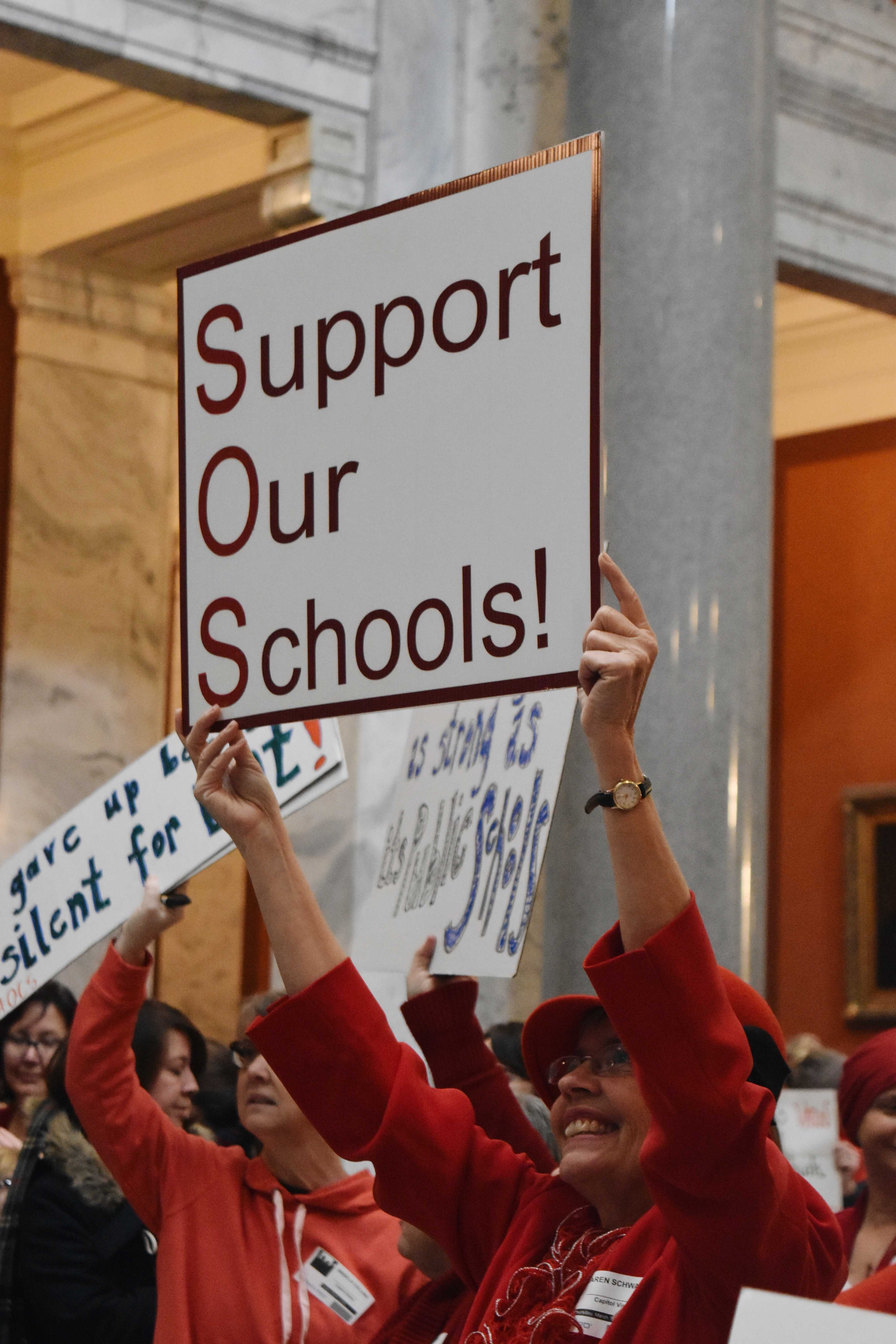 Both+current+educators+and+retired+teachers+from+all+over+the+Commonwealth+came+to+Frankfort+today+to+send+their+unified+message%3A+%22we%27re+not+gonna+take+it.%22+Photo+by+Piper+Hansen.