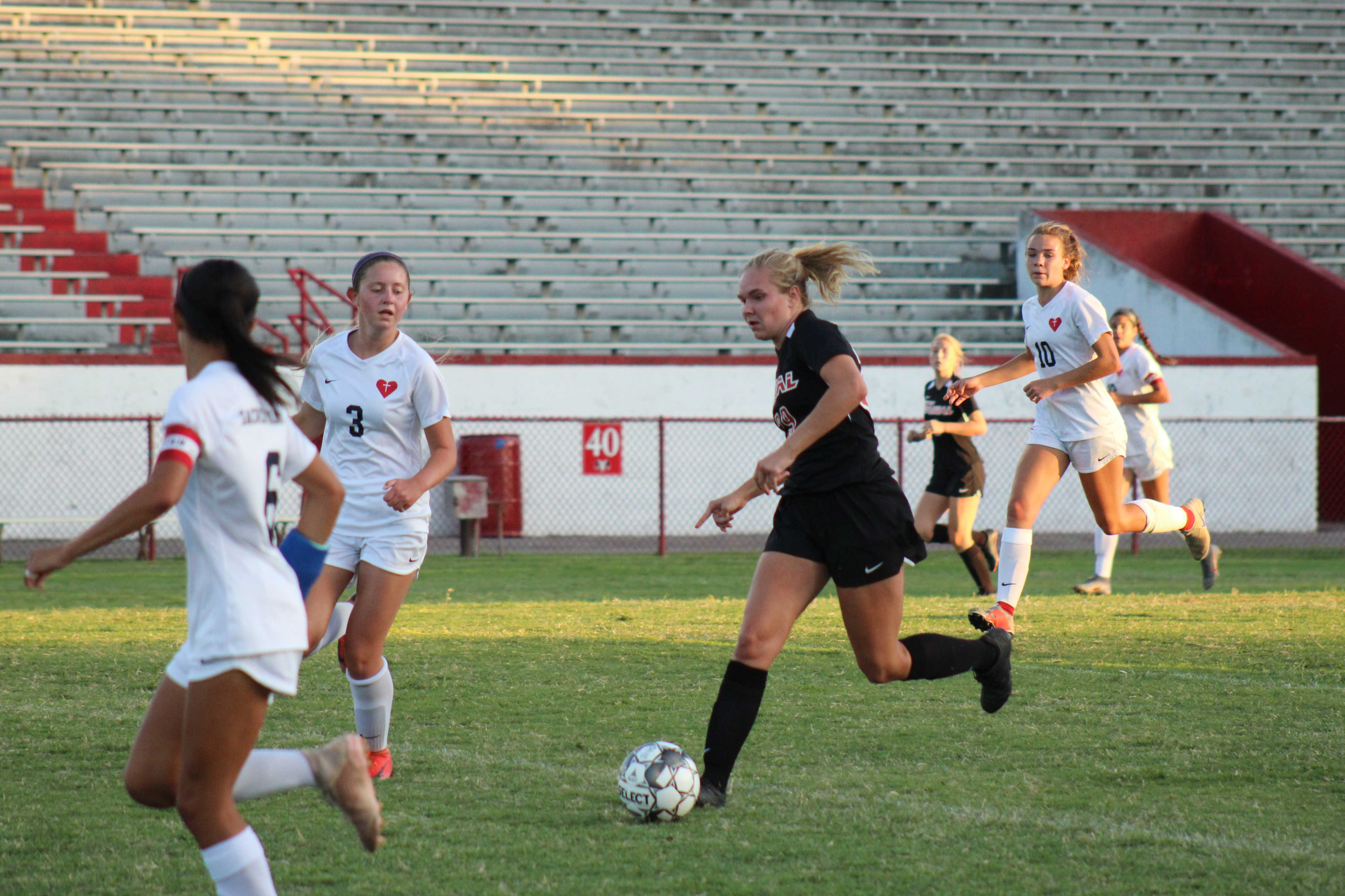 Girls' soccer suffers loss to Sacred Heart