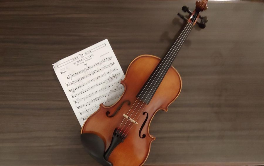 Practice+Makes+Perfect.+The+viola+and+music+shown+belong+to+Elijah+Reed+%2811%2C+YPAS%29+and+will+both+be+used+for+the+big+night.+Photo+by+Evie+Reed.%0A