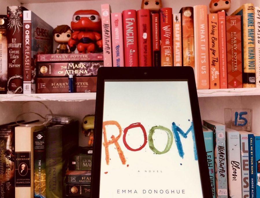 RedEye+book+club+review%3A+%22Room%22