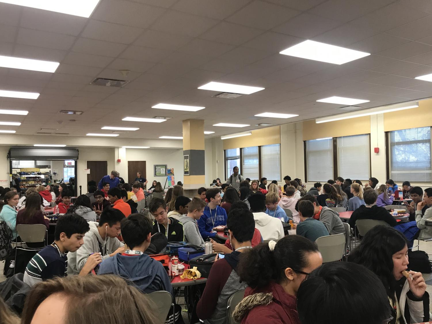 Students eat during red fifth lunch. Photo by Molly Gregory.