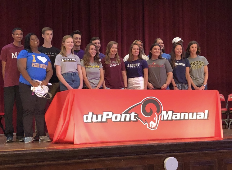 Manual+female+athletes+represented+on+National+Letter+of+Intent+Day