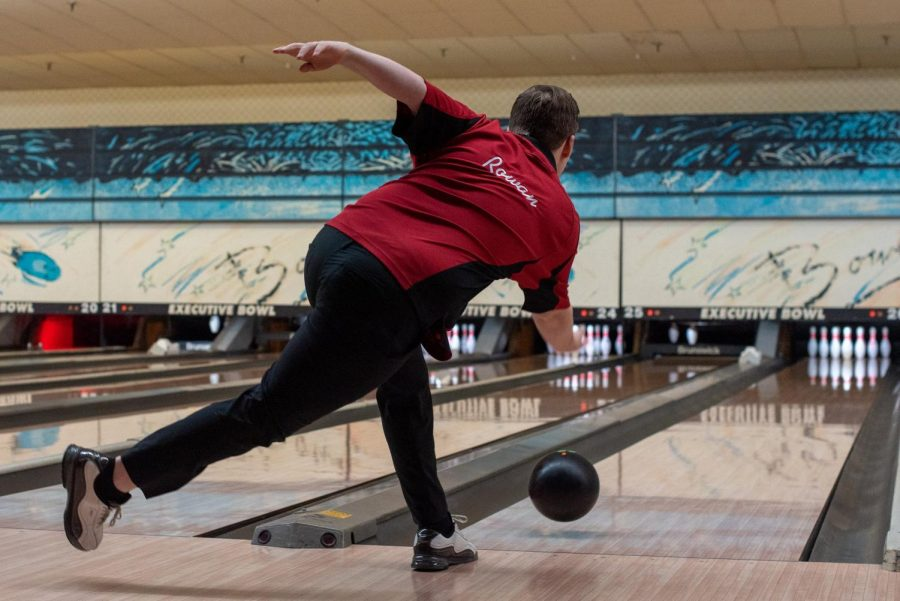 Jacob Rowan bowls in a match against Mercy. Photo by Cesca Campisano.