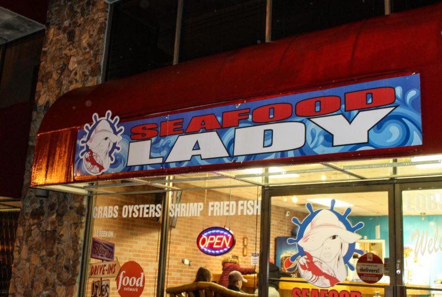 Outside+of+Sea+Food+Lady