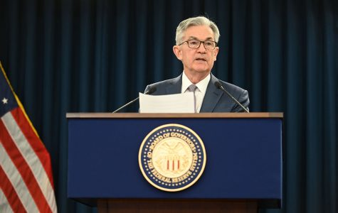 FOMC Chair Powell answers a reporter's question at the March 3, 2020 press conference. Image licensed through Wikimedia Commons.