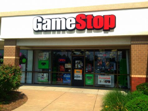 Storefront of GameStop in Manchester, CT photo taken by Mike Mozart via Flickr.