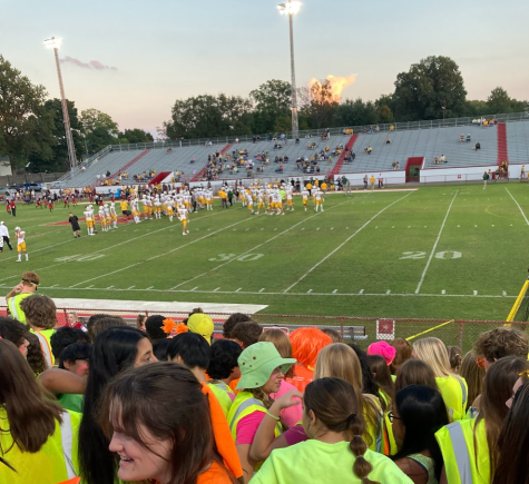 The 2021 homecoming game saw a plethora of students decked out in their neon attire to cheer on the Rams. Photo by Kaelin Gaydos